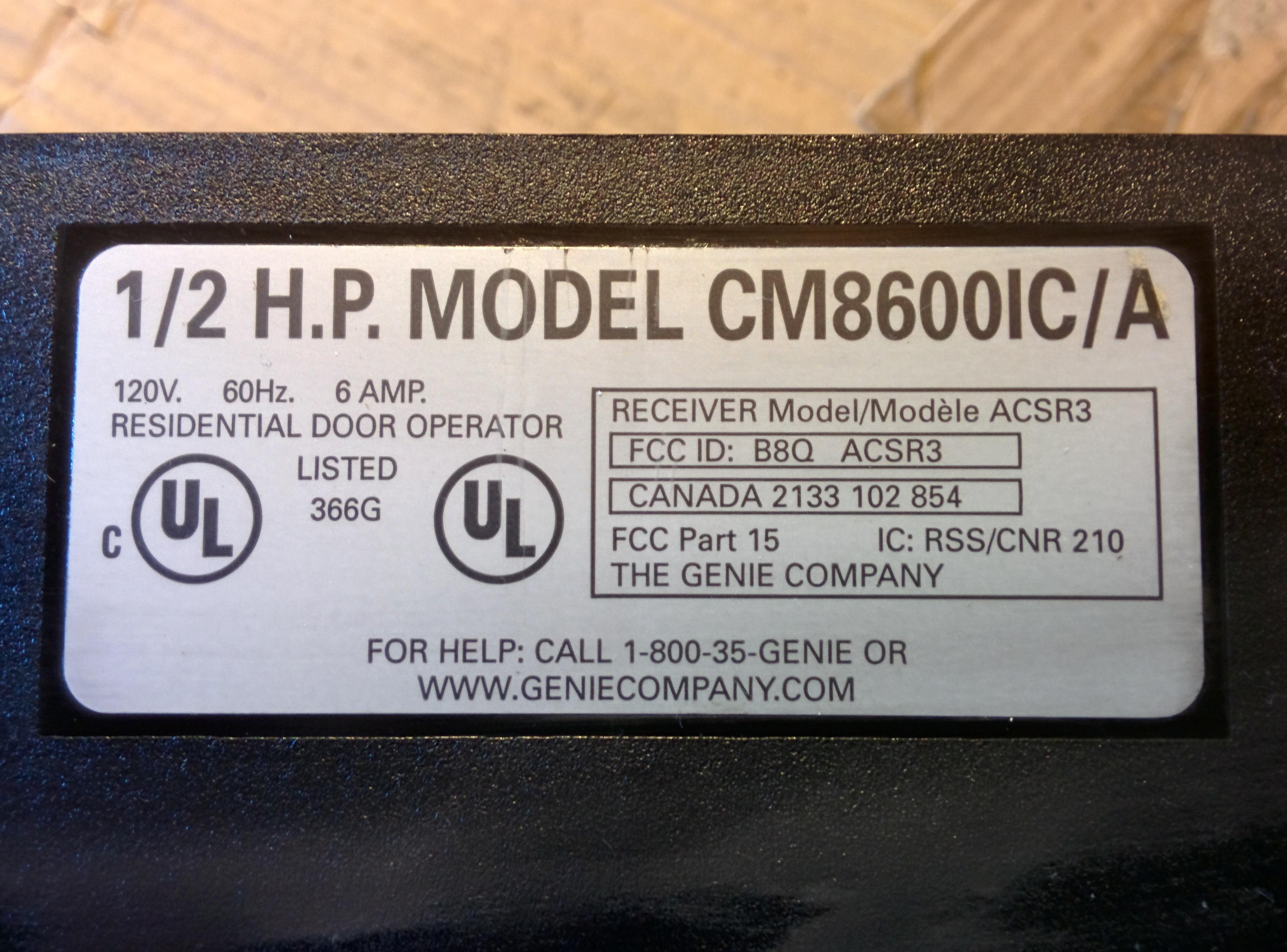 Genie 8600 Pro Screw Drive Garage Door Opener Operates